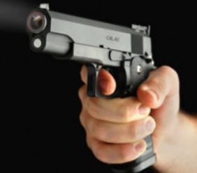 Corridonia - la musica è troppo alta, minaccia con la pistola il vicino di casa. Denunciato