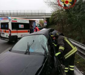 Corridonia, incidente in superstrada: muore la conducente dell'auto