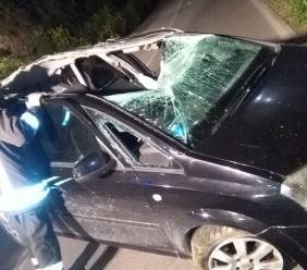Corridonia, Opel si ribalta e urta la fiancata di un altro mezzo: conducenti all'ospedale