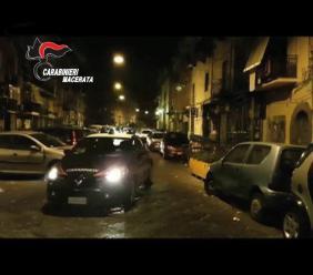 Corridonia, si masturba davanti a due giovani ragazze all'uscita dalla discoteca: denunciato