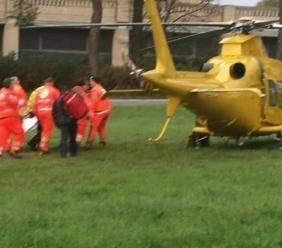 Cingoli, si ferisce gravemente al volto con una motosega: uomo trasportato a Torrette in codice rosso