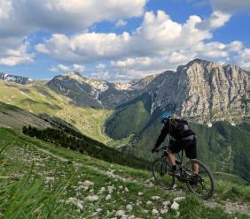 Al via il Sibillini Bikepacking: 60 Km in bici per attraversare la bellezza delle montagne