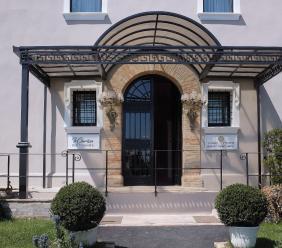 Borgo Pilotti, la Beauty Clinic che ridà speranza ai giovani delle Marche