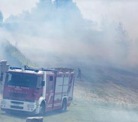 La FOTOCRONACA del vasto incendio che ha interessato la collina dell'Abbadia di Fiastra