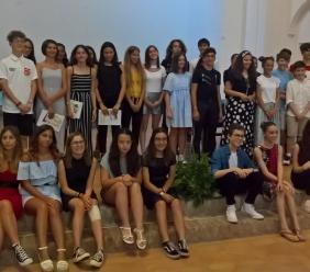 """Morrovalle, premiati gli studenti """"10 e lode"""" della provincia di Macerata (FOTO)"""