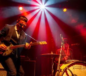 Il blues rock della rivelazione Superdownhome irrompe sulla piazza di Pollenza