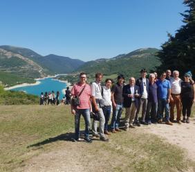 Studenti giapponesi in visita a Fiastra per un progetto tra Unicam e l'università di Tokyo