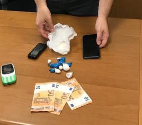 Porto Recanati, sequestrati 60 grammi di eroina all'Hotel House: denunciati 2 pusher pakistani