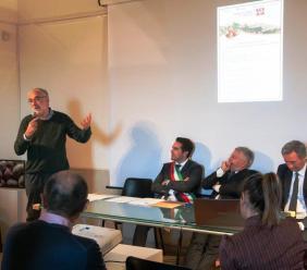 A Monte San Martino il 15° seminario della mela rosa