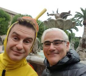 Civitanova, visita a sorpresa di Capitan Ventosa: selfie con l'assessore Borroni  (FOTO)