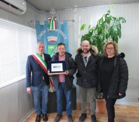 Valfornace, il dottor Perelli va in pensione: cerimonia di saluto in Comune