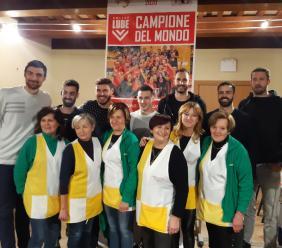 Santa Maria in Selva, la Lube torna a casa: grande festa per il triplete con la polenta (FOTO e VIDEO)