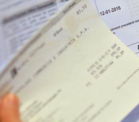 Consumi anomali in bolletta non segnalati al cliente: azienda condannata al risarcimento danni