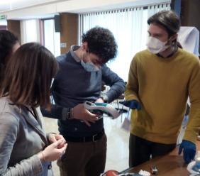 Covid-19, 250 maschere adattate per la respirazione dei pazienti grazie a Unicam e Decathlon