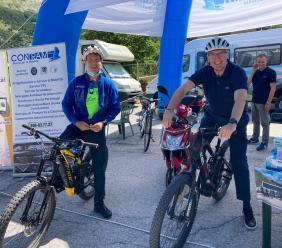 """Ceriscioli in sella alla bici per il via dell'iniziativa """"Sibillini bus&bike 2020"""" (FOTO)"""