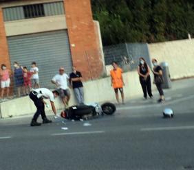 Corridonia, rovinosa caduta con lo scooter: un uomo trasportato all'ospedale (FOTO)