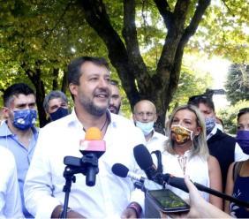 """Pollenza, Matteo Salvini lancia l'ultima volata al Parco Hotel: """"ora il voto spetta ai marchigiani"""" (VIDEO e FOTO)"""