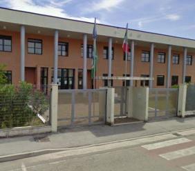 Civitanova, alunna positiva alla scuola media Annibal Caro: classe e docenti in quarantena