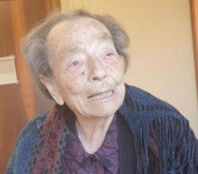 Loro Piceno, festa doppia alla Casa di Riposo: Maria Mochi sconfigge il Covid e spegne 107 candeline