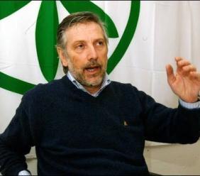 Riverso a terra con il cranio sfondato ex esponente della Lega Nord: arrestato il figlio