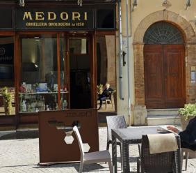 Lutto a Macerata, malore fatale in casa: addio al gioielliere Douglas Medori
