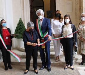 Macerata, taglio del nastro a Palazzo Buonaccorsi: parte la mostra dedicata all'artista Tullio Crali (FOTO)