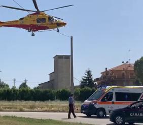 Montecosaro, cade da circa tre metri: uomo soccorso in eliambulanza (FOTO)