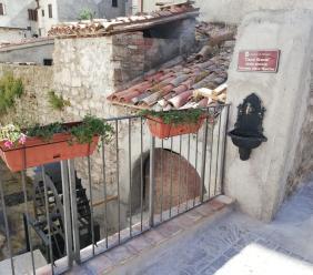 """Pioraco, la piccola Venezia delle Marche ha il suo """"Canal Grande"""": oggi il taglio del nastro"""