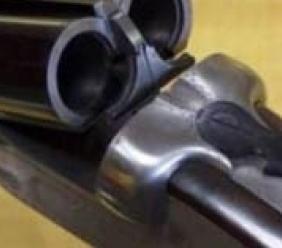 Corridonia, fanno troppo rumore a tarda notte: 80enne minacca con il fucile un gruppo di giovani