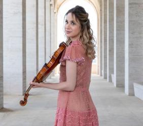 Treia, dopo 5 anni riapre al pubblico il giardino di Villa Spada: in concerto la violinista Anna Tifu