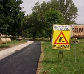 """Montecavallo, nuovo asfalto per la provinciale 30 """"Collattoni"""": investiti 100mila euro"""
