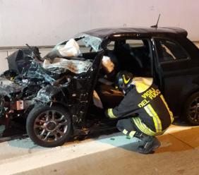 Serravalle, incidente in galleria: bimba trasferita a Torrette, superstrada chiusa al traffico