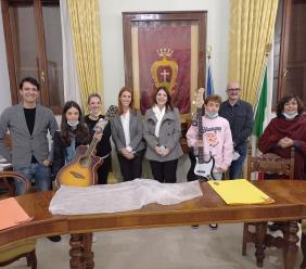 Potenza Picena, la Algam Eko dona due strumenti musicali alle scuole medie
