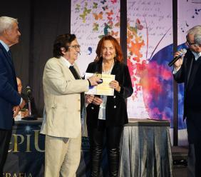 Colmurano, Luciana Salvucci vince la Farfalla d'Oro per la prosa