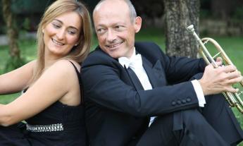 """Porto Recanati, Il duo """"Vibrazioni Consonanti"""" in concerto domenica 24 febbraio presso la Pinacoteca"""