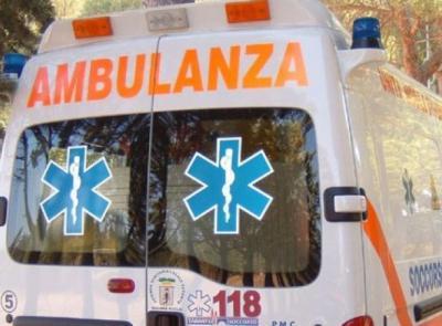 Porto Recanati, collisione tra auto e bici: un ferito all'ospedale