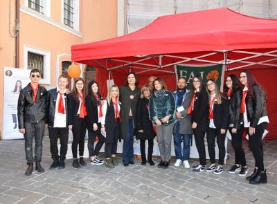 """Macerata, gli studenti del """"Ricci"""" protagonisti alle giornate del F.A.I. (FOTO)"""