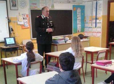 """Corridonia, i Carabinieri tra i banchi di scuola per diffondere la """"cultura della legalità"""""""