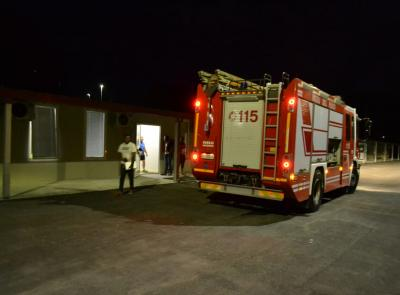 Paura a Camerino: incendio in un container in via D'Accorso