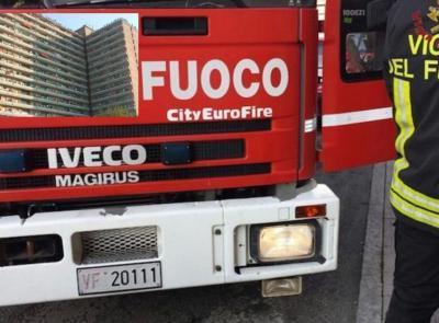 Porto Recanti, incendio al quarto piano dell'Hotel House