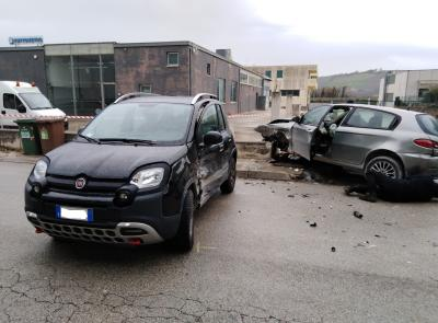 Tolentino, incidente in via Sacharov: due feriti al pronto soccorso