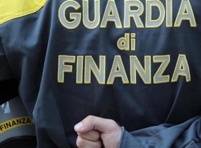 Civitanova, blitz al Compro Oro, scoperte numerose irregolarità: maxi multa da 20.000 euro