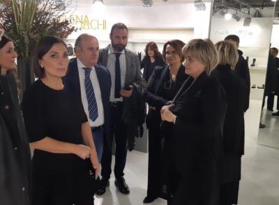 Il sottosegretario Morani in visita alle aziende maceratesi presenti al Micam