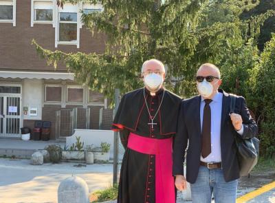 Aperto il nuovo reparto Covid all'ospedale di Macerata: la benedizione del vescovo Marconi