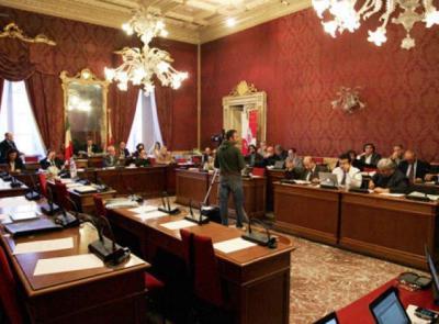 """Macerata, torna a svolgersi """"in presenza"""" il Consiglio Comunale: sedute fissate il 20 e 21 luglio"""