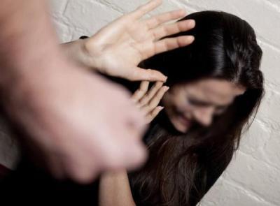 Vuole riallacciare la relazione e aggredisce l'ex compagna: gelosia, motivo abietto che aggrava la condanna