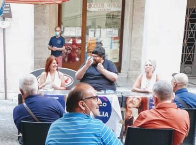 Macerata, Popolo della famiglia: Mario Adinolfi presenta la candidata sindaco Lauretta Gianfelici