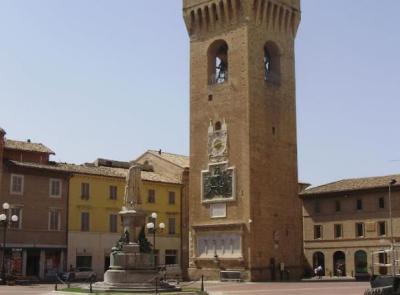 """Recanati, da Ferragosto la Torre del Borgo tornerà visitabile fino alla """"Battagliera"""""""