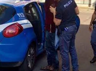 Civitanova, arrestato il piromane che ha incendiato quattro auto: 40enne trasferito a Montacuto