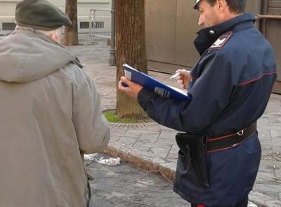 Serravalle, sexy ladra sfila un Rolex ad un 70enne con la tecnica dell'abbraccio: arrestata